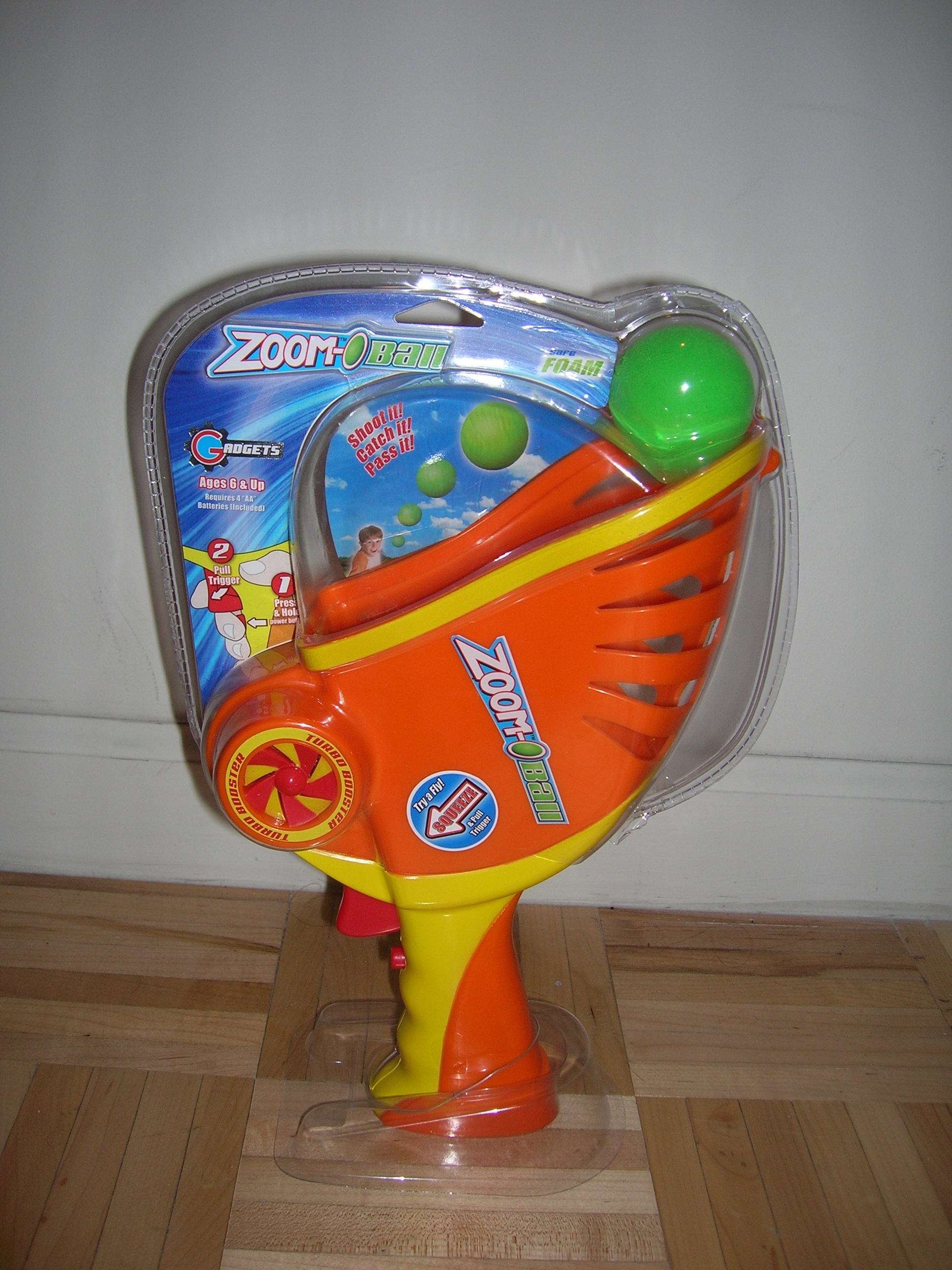 Zoom-O Ball in package