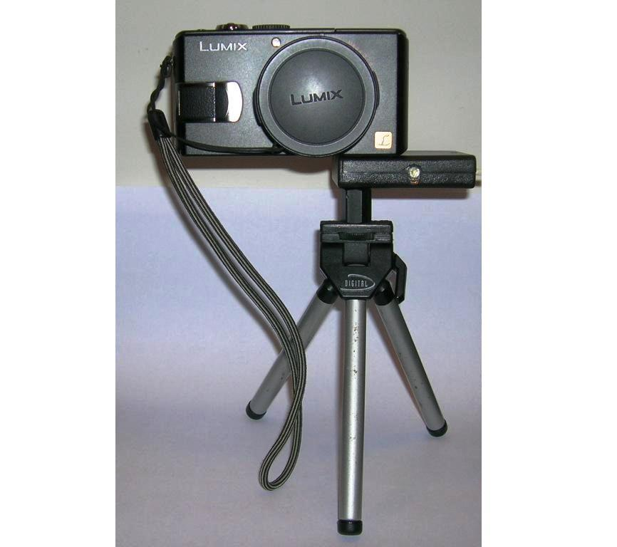 1W LED Camera Light with Tripod Mount